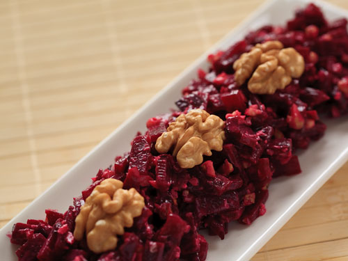 Vegventures » Beet salad with walnuts (Moldova)